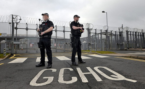 GCHQ: Κίνδυνοι Υποκλοπών (2010)