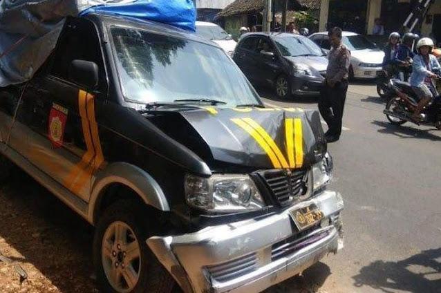 Mobil Polisi Menabrak Pengendara Sepeda Motor Hingga Tewas Di Kawasan Jakarta Selatan