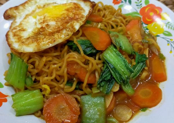 Spaghetti Mie Kari Ayam