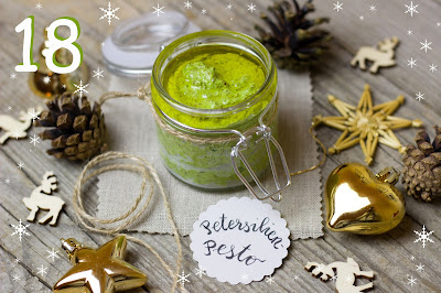 Petersilien-Haselnuss-Pesto