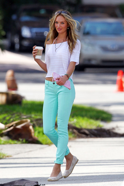 Sexy Candice Swanepoel Shines In Pastel Jeans Krazy