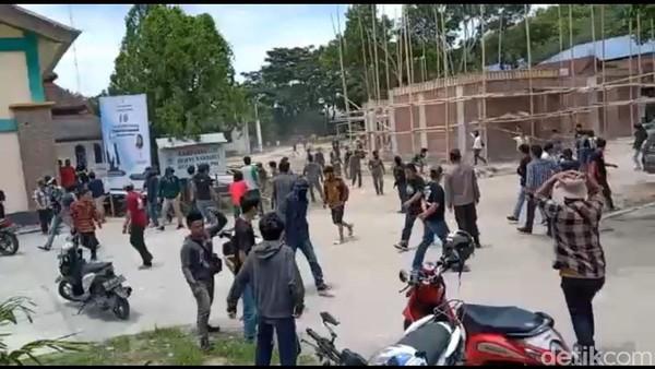Acara HMI Polman Sulbar Diwarnai Bentrokan, Polisi Turun Tangan