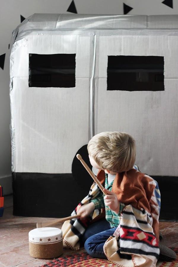 Cómo hacer una caravana con cartón reciclado. Juguetes cartón