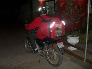 Camocim - Indivíduo armado com facão rende entregador de pizza e toma moto de assalto no Jardim das Oliveiras