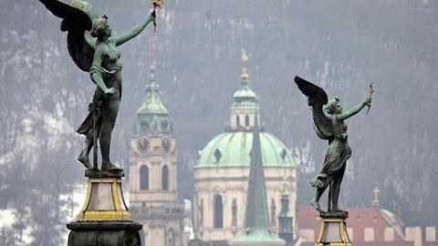 A tavalyi harmadik negyedévben 2,4 százalékkal nőtt a cseh gazdaság