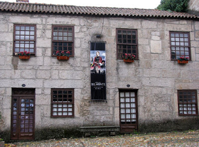 Fachada de pedra de edifício em Belmonte