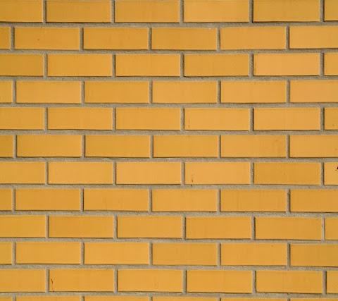 Vách Tường Vàng