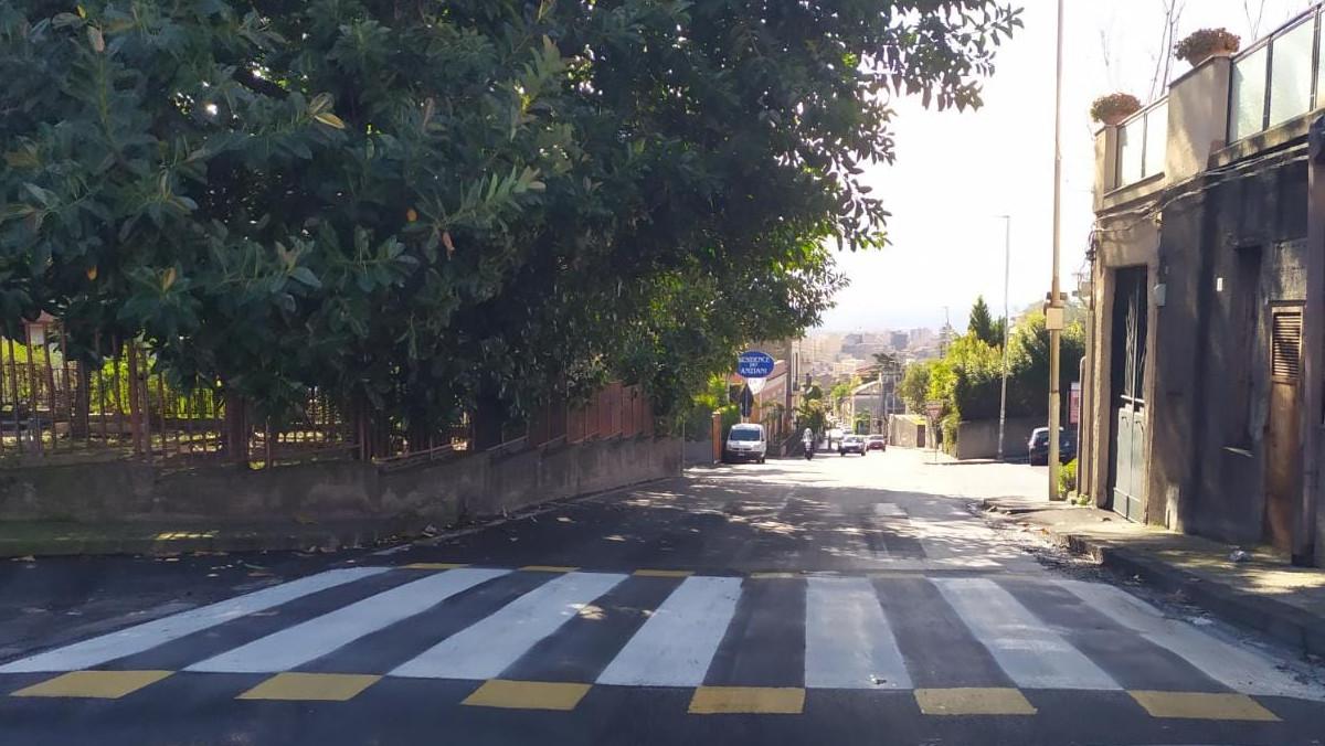 Passaggi pedonali rialzati in via Galermo a Catania