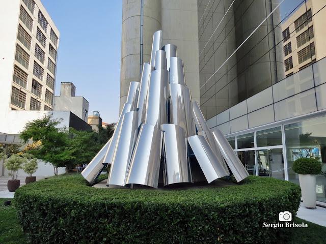 Close-up da Escultura Espaço Infinito - Porto Seguro Sucursal Campos Elíseos - São Paulo