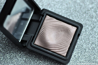 Review: KIKO Water Eye Shadow - Nr.201 - www.annitschkasblog.de