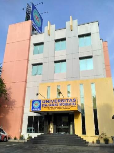 Buruan! Kampus UBSI Yogyakarta Tawarkan Banyak Beasiswa Bagi Mahasiswa Baru