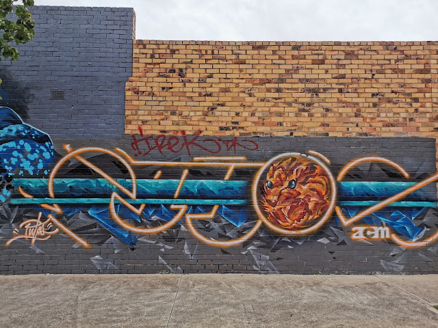 Street art in Laverton by PutosPaint