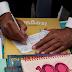 PENACOVA - Em dia de Feriado Municipal, Marcelo compra 124 euros em livros para oferecer à biblioteca de Celorico de Basto