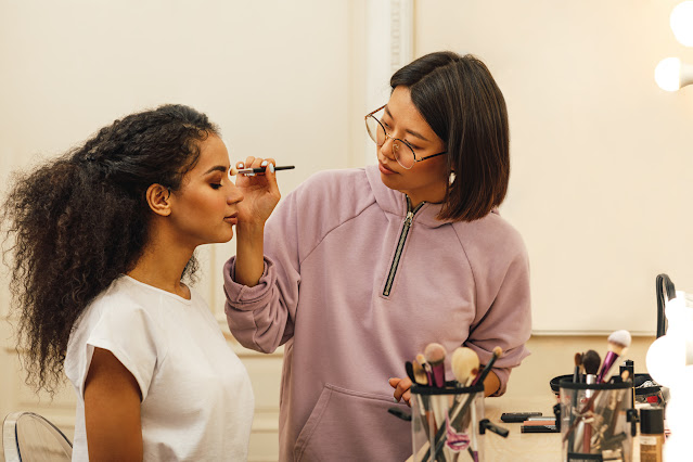 Makeup Artist Nasıl Olunur?