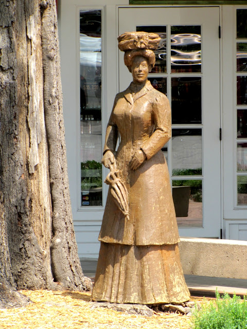 Tulsa Gentleman Chainsaw Carving Of A Victorian Lady