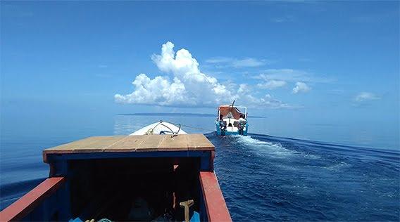 Calm-blue-sea-4