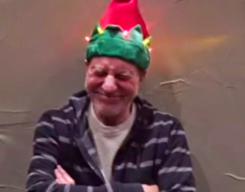 Sounding x-MAS for the X-man | Ouch! Here Patrick Stewart gets on the cap (video)