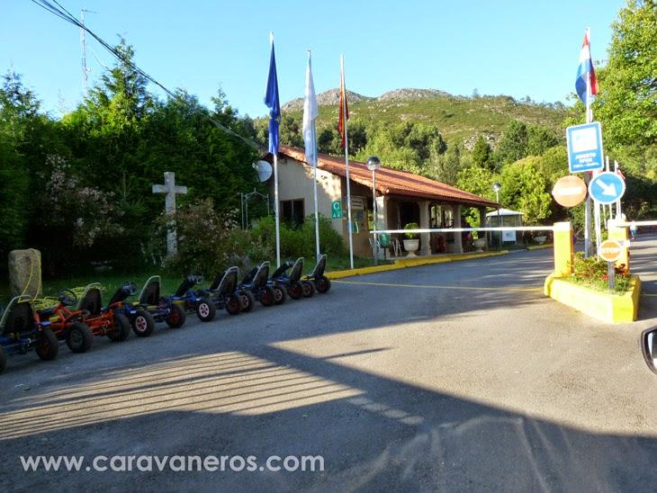Foto del Camping Rural Ría de Arosa. Entrada | caravaneros.com