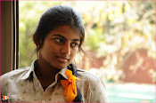 Tholipremalo Movie Stills-thumbnail-18