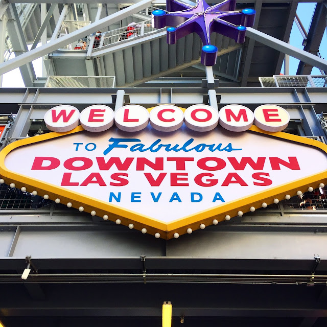 Budget-Friendly Las Vegas Attractions : Downtown Las Vegas | Will Bake for Shoes