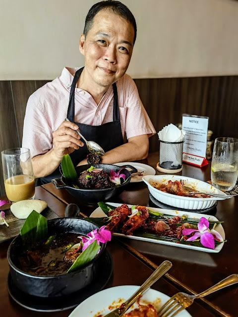 Tom_Dick_Hillary_Singapore_Chinatown