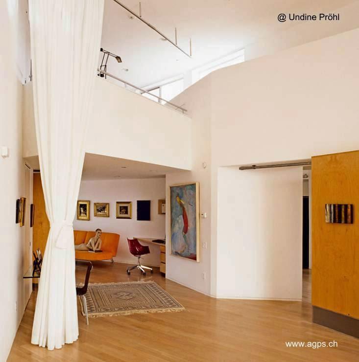 Interior de la casa orgánica contemporánea del Cañón Topanga