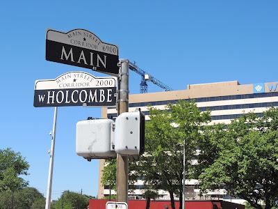 W HOLCOMBE at MAIN STREET - Texas Medical Center