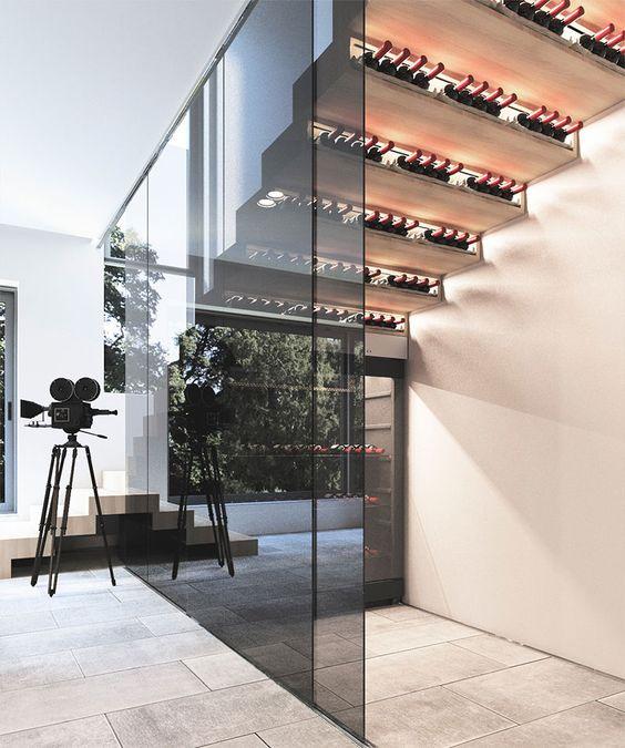 Pellmell Créations: Aménagement : une cave à vin sous l\'escalier