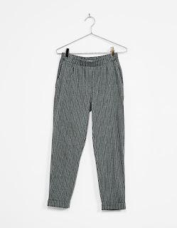 https://www.bershka.com/fr/femme/v%C3%AAtements/pantalons/pantalon-tailleur-jogger-avec-pinces-c1010193216p100959726.html?colorId=812