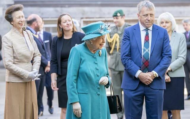 Queen Elizabeth and The Princess Royal visited The Edinburgh Climate Change Institute in Edinburgh