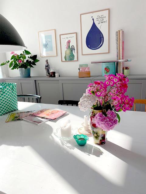 Dagens havebuket - roser og hortensia sammen - whats not to like :-)