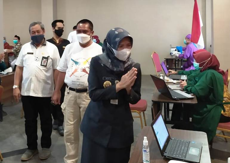 Pegawai BUMN dan Corporate Jalani Vaksinasi di Grand Kolopaking Hotel Kebumen