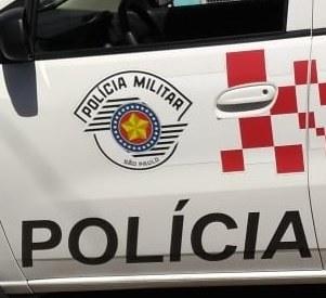 POLÍCIA MILITAR PRENDEU UM HOMEM POR AGREDIR A PRÓPRIA MÃE E POR TENTAR AGREDIR POLICIAIS