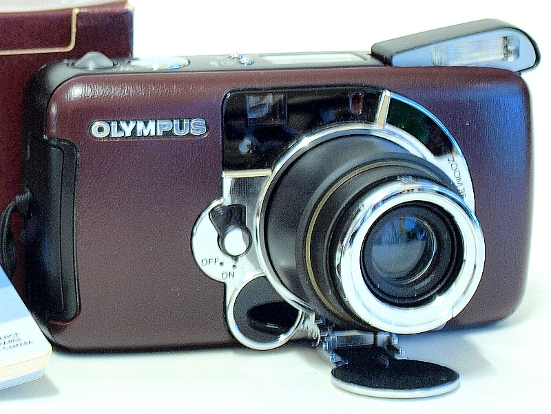 Film Camera Review: Olympus LT Zoom 105