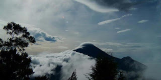 Ribuan Warga Dievakuasi Akibat Gunung Dieng Berbahaya