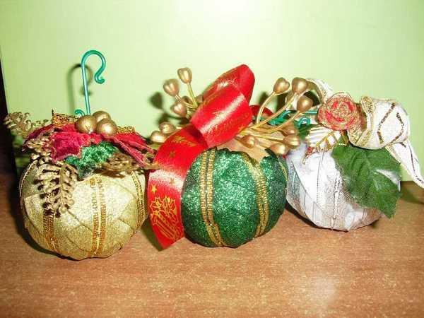 di Natale fai-da-te rivestite di nastri - Tutorial - idee creative ...