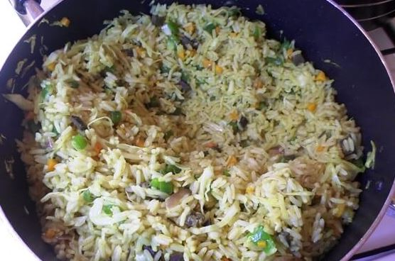 How to prepare Nigeria fried rice