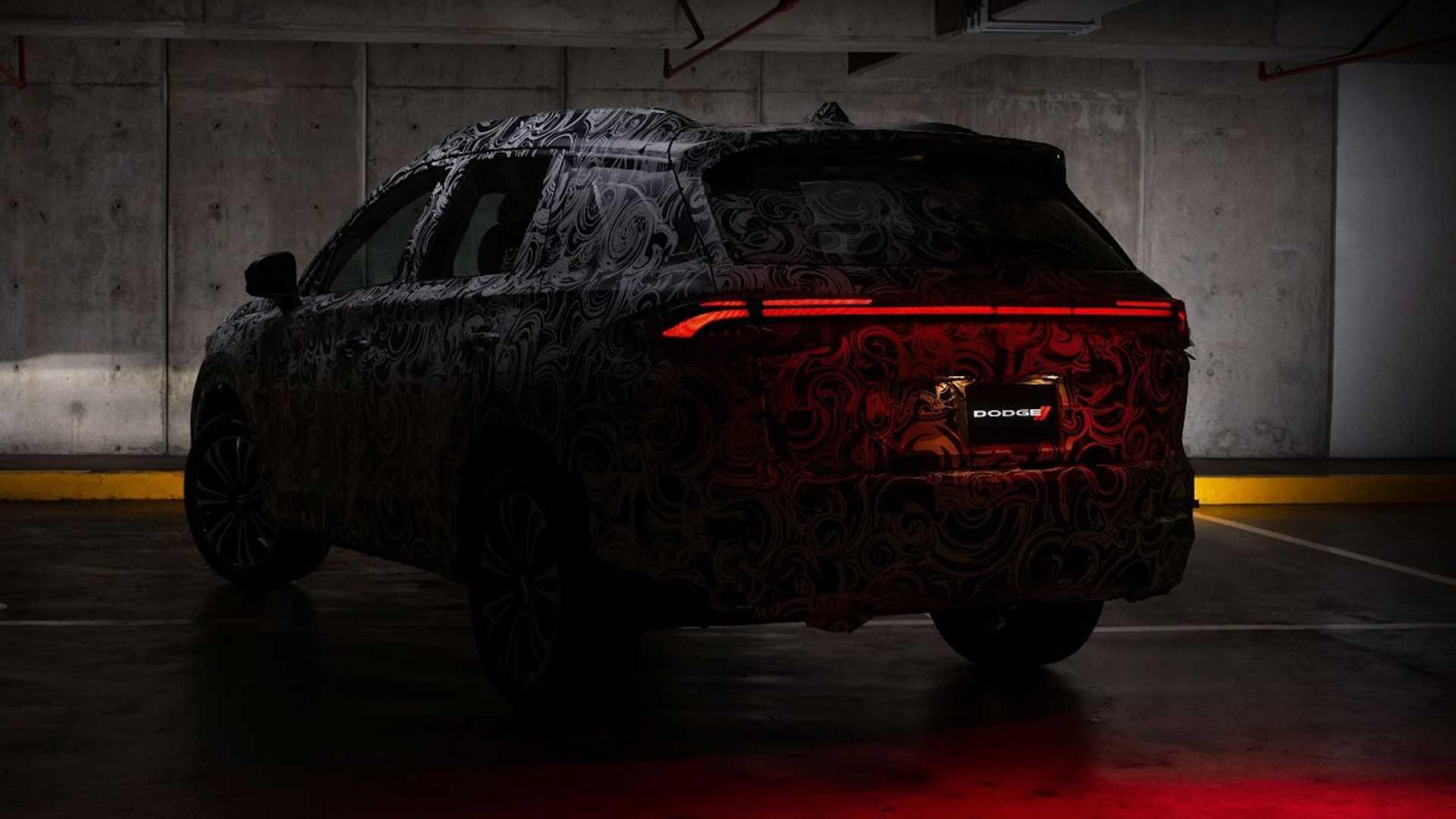صورة تشويقية لسيارة دودج الرياضية ذات الاستخدامات المتعددة