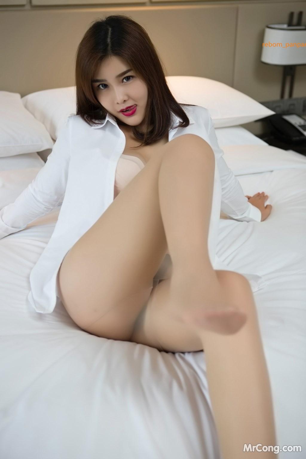 Image Yan-Pan-Pan-Part-4-MrCong.com-013 in post Người đẹp Yan Pan Pan (闫盼盼) hờ hững khoe vòng một trên giường ngủ (40 ảnh)