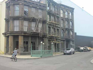 SOHO section of the Paramount Backlot played the role of The Hayson Gallery from Frasier.