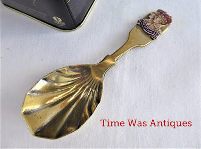 https://timewasantiques.net/collections/george-vi/products/king-george-vi-queen-elizabeth-coronation-tea-caddy-spoon-1937-tea-scoop
