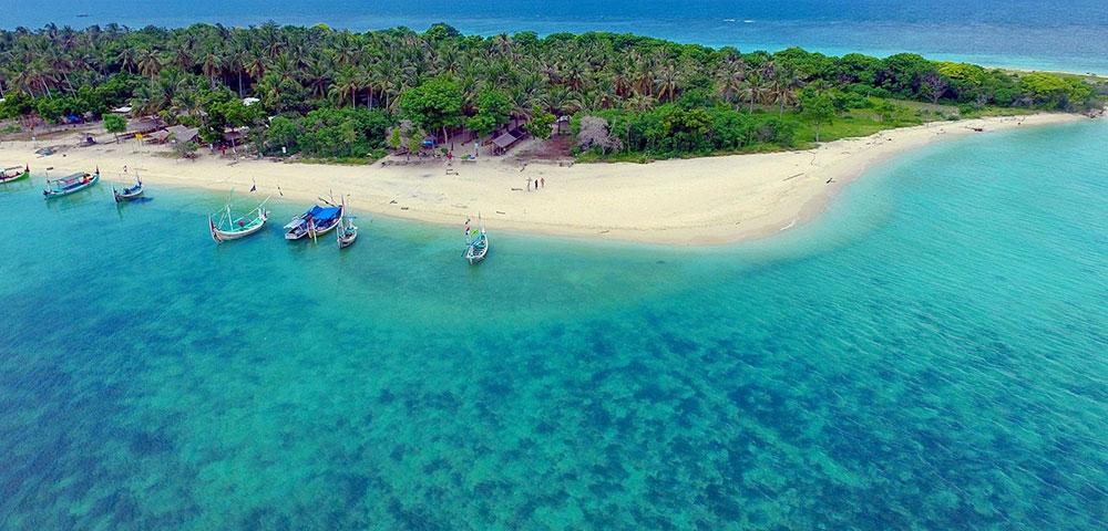 open trip Gili Ketapang wisata bahari
