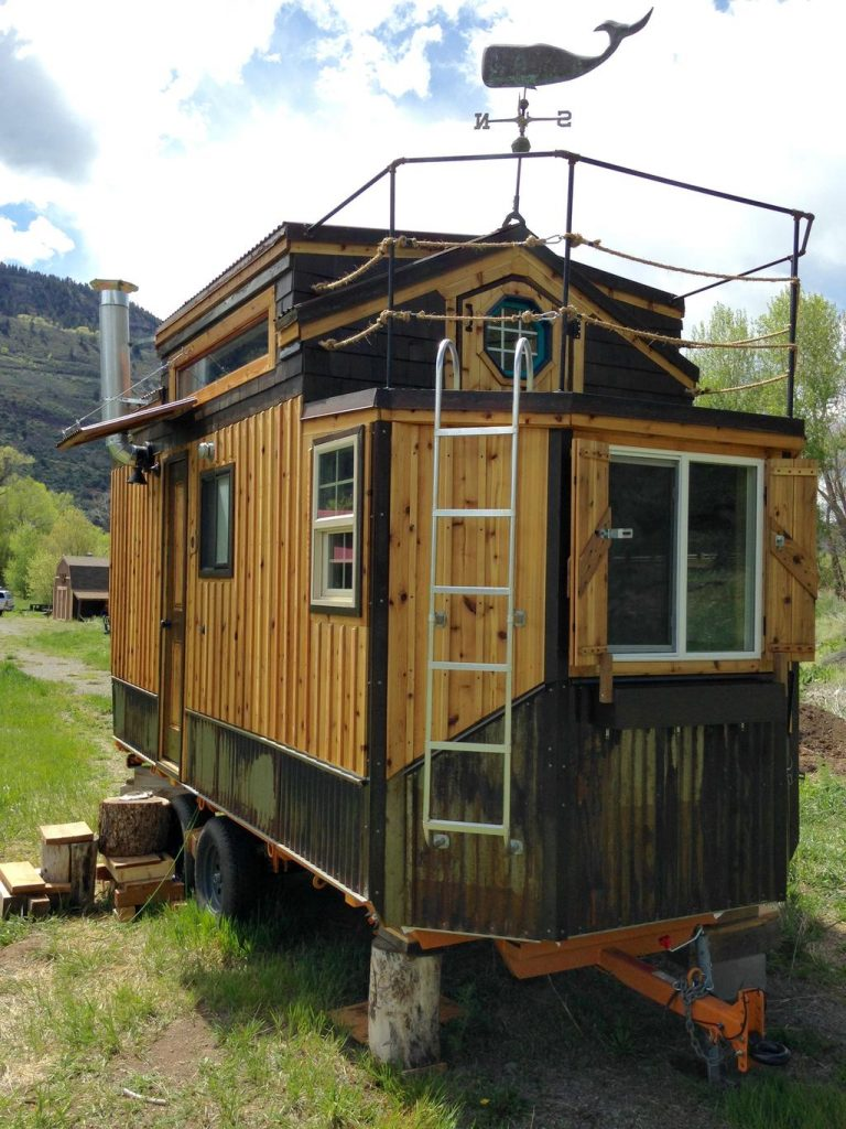 Tiny Home Designs: TINY HOUSE TOWN: Custom Cedar Tiny Home (200 Sq Ft
