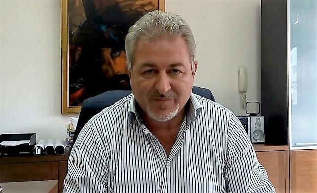 Ήγουμενίτσα: Ο δήμαρχος Ηγουμενίτσας συνεχάρη τον ιερέα Ηλία Μάκο για τη λογοτεχνική του βράβευση