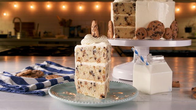 Chocolate Chip Cookie Fans NEED This Milk & Cookies Cake