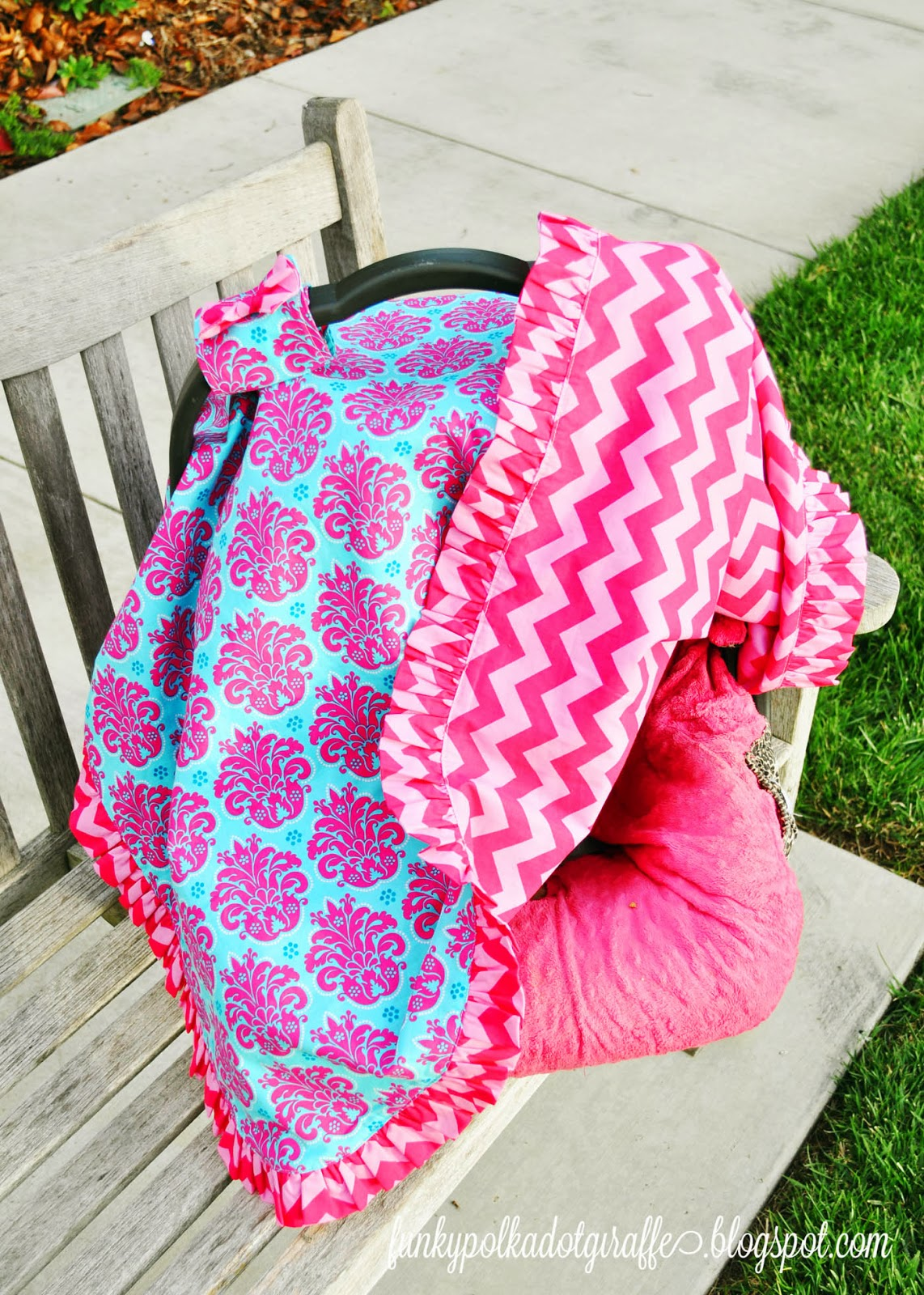 ruffled edge car seat canopy