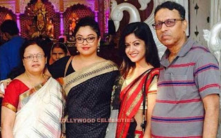 Tanushree Dutta Biography Husband Son Daughter Father Mother Family Photos