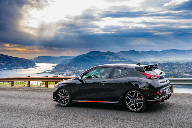 Hyundai Veloster N in Columbia River Gorge