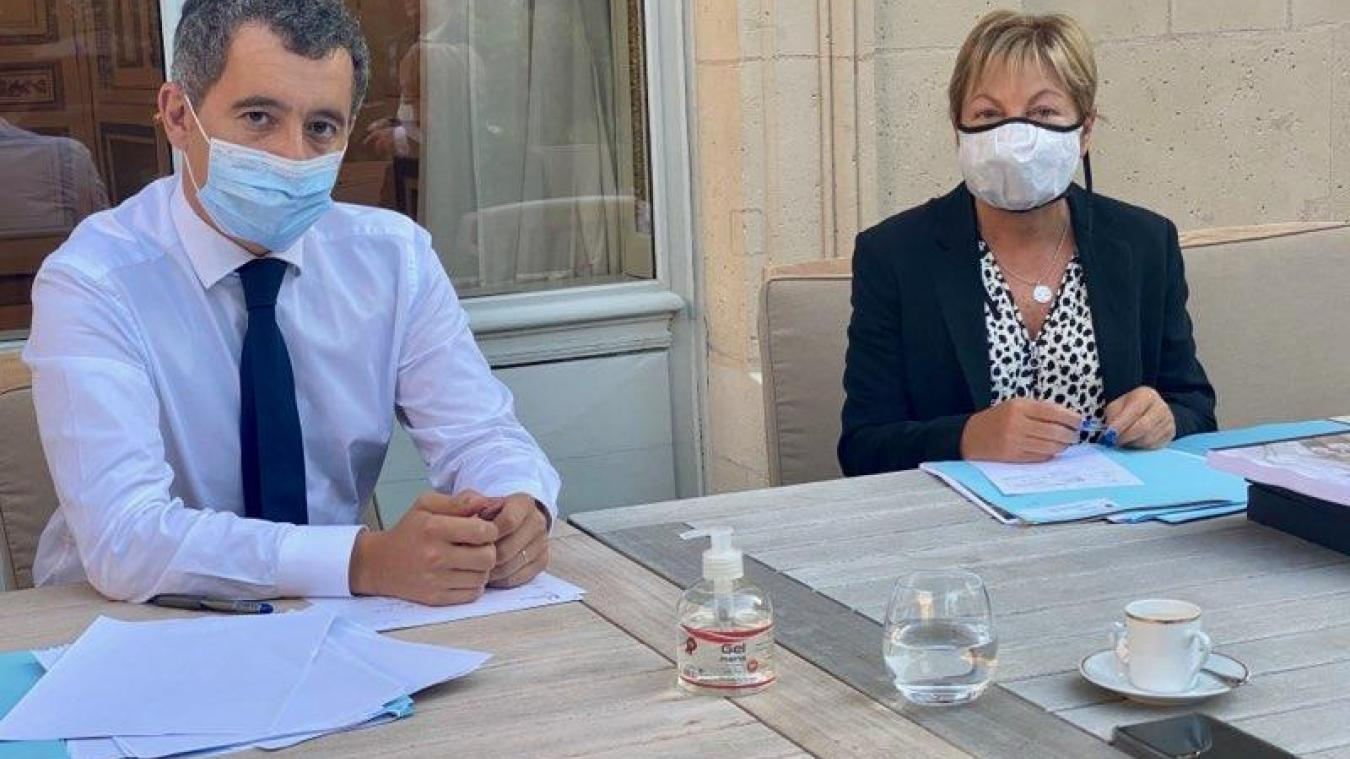 Calais : Gérald Darmanin interdit la distribution de repas aux migrants par les associations