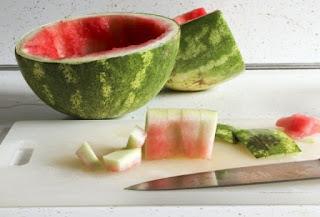 للقشر البطيخ فوائد لم نسمع عنها من قبل